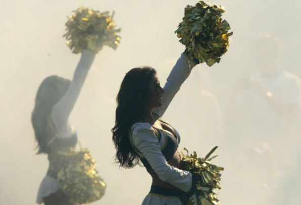 cheerleader-week-13
